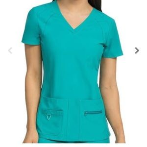 Med Couture Activate Scrub Top